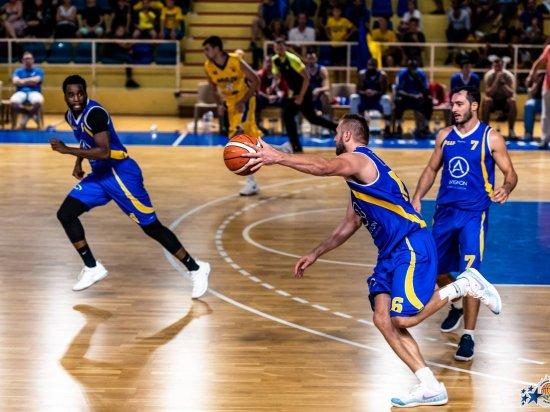 1er match à domicile et 1ère victoire de l' US Avignon Pontet Basket